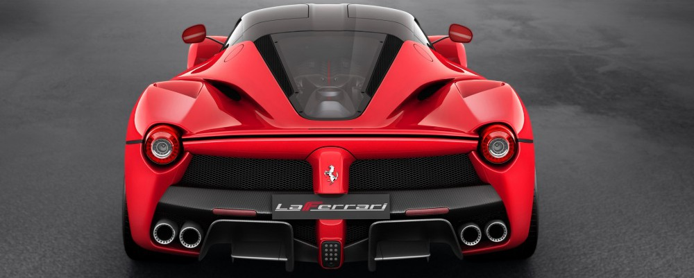 2013-red-ferrari-laferrari-studio-rear-top-angle-wallpapers_36274_1024x768-e1412440888945